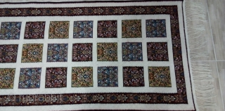 50 years old kilim with nice pattern from a private collection. never used before. size: 90cm width -300cm long material: wool on wool
