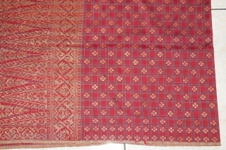 #RB 043 Minangkabau man's ceremonial sarong, Minangkabau people west Sumatra Indonesia, late 19th century, silk gold threat supplementary weft weave natural dyes, good condition with small holes please see picture detail. size:  ...