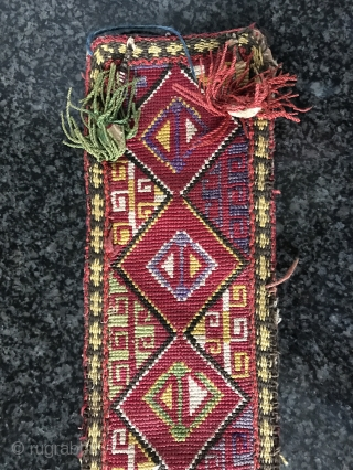 An exceptional antique Uzbek Lakai silk cross-stitched belt. It dates to the late 19th century and it is a beautiful piece. The geometric design is beautiful with gorgeous colours. It has the  ...