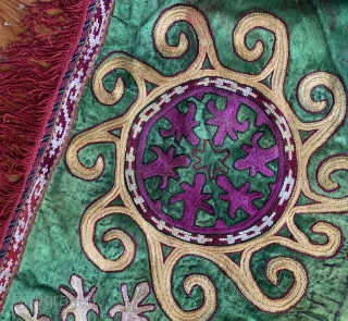 A very unusual antique Uzbek Lakai tribe silk embroidered ilgich / Oyna Khalta embroidery. Dating to early 1900's and it is a very interesting example. While most such Lakai embroideries were stitched  ...