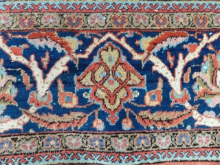 """A very attractive Kashan rug with excellent colors in a well-balanced design, early 20th Century. 198 x 127 cm/6'5"""" x  4'2"""""""