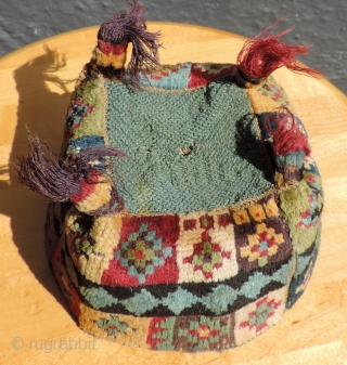 Another great, colorful Wari pile hat.  A.D. 500 -900.  Complete and in excellent condition with silky, soft and lustrous alpaca pile.  The colors are excellent.  The images are  ...
