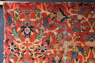 """Big piece of the field of a beautiful Ziegler-Mahal carpet. Worn, with some colour run from something else around the edges. Professionally washed. 8'8"""" x 5'6"""" / 264 x 167cm VAT of 20%  ..."""