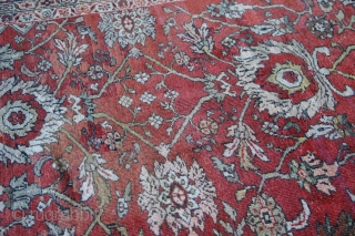 Antique Mahal, with a great look, large flowerheads on a red ground with a mid blue border. A fairly large amount of old repiling hence low low price. Looks good and can  ...
