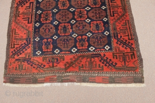 Belouch with MinaKhani design and nice wool in good condition circa 1900.
