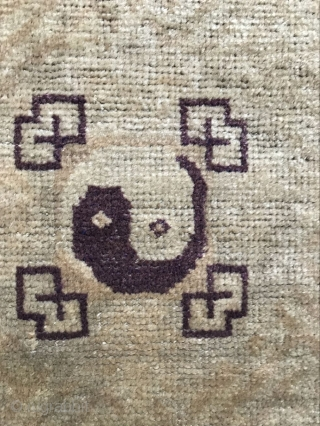 Lama cushion, producing area of qinghai xining area, the time around 1850, dimension 124x62cm, price cheap welcome consultation!