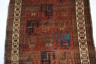 This Beautiful symetrical knoted scorpion patern Antique Baluch Tent Rug made circa 1900's and has a top qualty wool with stunning colors. All natural colors 
