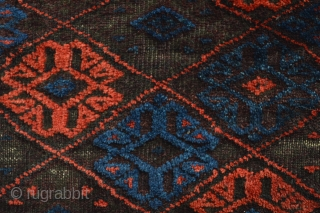 Antique small Baluch Bagface... Beautiful colors and character