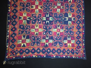 İndian (Gujarat) textile first half 20th century Size:87x87cm / 34x34 inc