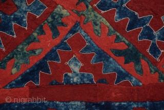"""Antique Uzbek Felt Rug  Size:400x130 Cm         10'8""""x4'4"""""""