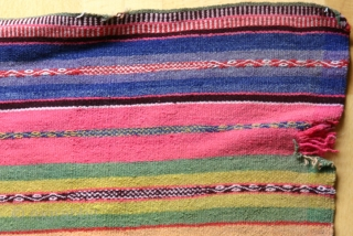 Bolivien or Peruvian small blanket, early 20th c., 119 x 108 cm.