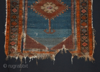 "Northwest Persian, Bakshaish fragment, 2'6"" x 3'6"". Wool pile, wool warp and cotton weft. washed, free shipping. For more pictures or info, just ask. Thanks."