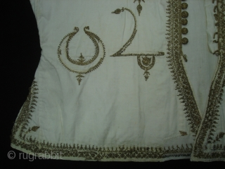 Man's waistcoat(Sadri/Bandi),Zari (real) embroidered on muslin cotton,From Deccan South, India.Its size is L-46cm,W-46cm. Its set with Man's robe(angarkha)DSC06946 New.