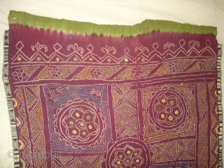 Single Bandh Tie and Dye Odhani From Shekhawati District of Rajasthan. India.Its Very rare Single Bandh Tie and Dye Odhani. Natural Colours On the Khadi Cotton.C.1900.Its size is 143CmX187cm(DSC04975 New).