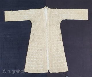 Vohra Costume(Cotton)from Gujarat India.Made for who offer's Namaz in mosque.Every Part is quilted inside with Portly thread. Its size,Arm size is 21cmX61cm, Height is 125 cm,Skirt is 170cm. Its very rare piece  ...