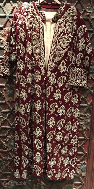 Heavily embroidered Ottoman robe with heavy gold embroidery on velvet. Lete 19th, early 20th c