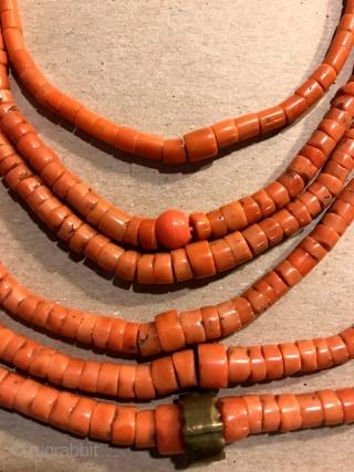 Coral necklace, original stringing  Ukrainian culture.