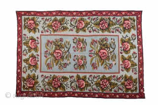 A Beauty Besserabian Kilim It's in good condition and untocuhed one.Size 180 x 265 cm