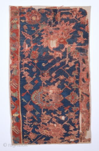 16th Century Unusual Ushak Fragment Would Be Part Of The This Piece May Other Similar One.Source TIEM.Size 56 x 100 Cm