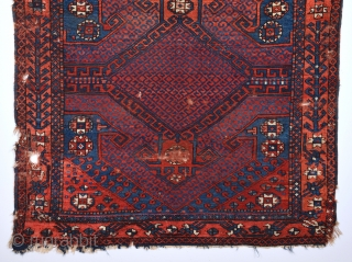 Early 19th Century Anatolian Bergama Probably Yüncü Unusual Rug.It's In Good Condition And Has Good Pile Size 128 x 131 Cm