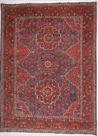 Late 19th Century Persian Shiraz Carpet size 225 x 305 cm