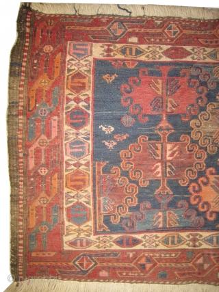 Soumak kilim, semi antique in perfect condition, decorative design. 95 x 64 cm.