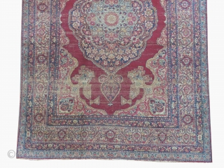 Kirmanshah Persian, knotted circa in 1895, antique, 186 x 133 cm, carpet ID: K-3738 The black color is oxidized, the knots are hand spun wool, very finely knotted, the pile is uniformly short.