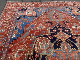 Antique rug persian Serapi great colors great design beautiful rug 12x18.8  Has one hole no dry rot