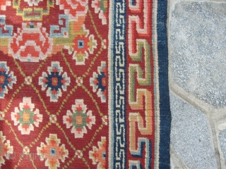 298 x 81  cm Himalayan antique runner. Tibetan long rug in very good condition. All wool. Only one end has been restored.  Full pile. Other info or photos on request.  WARM REGARDS! from Como /   ...