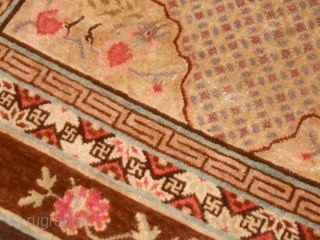 PAO TAO ANTIQUE chinese carpet pattern phoenix and boulou . In ggod condition.  Ask for other photos and info. WARM REGARDS  from lake of COMO !