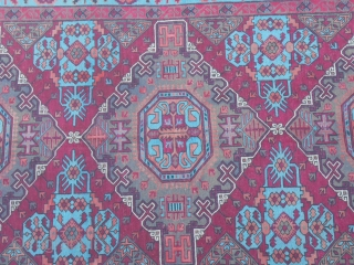 330 x 200  cm.  SOUMACH Caucasus old. Perfect conditions. Very beautiful colours.