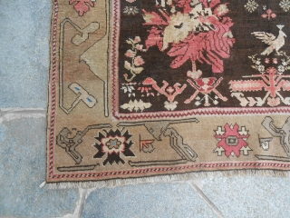 255 x 142 cm Oriental carpet knotted in CAUCASUS KARABAGH Very good condition. Wool on Wool. This carpet has one date 1341 Egira = 1922 Gregoriano. GOL FARANGH pattern for this KARABAKH. More pictures on request.  WARM REGARDS  ...