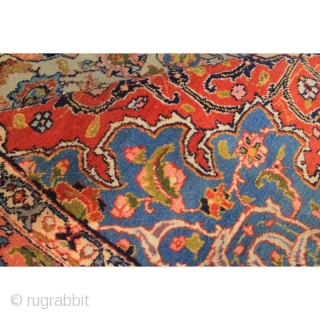 Very old ESFAHAN fine knot. In good condition. 320x215 cm.