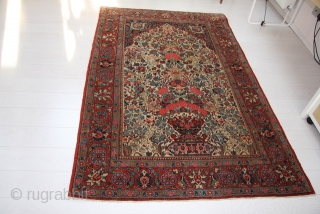 Size 213x136 cm is the size of this beautiful persian carpet. Knotted in the region of Chahar Mahal -va-Bachtyari from the nomadic people of Bachtyar. Very fine knot and all natural color for this Bachtyar  ...