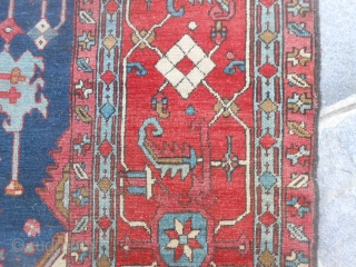 321 x 261 cm.  ANTIQUE HERIS (SERAPI) in good conditions.  End of XIX th century. No holes, no stains, some restors upon the 2 ends and repils in the field.  Ask  ...