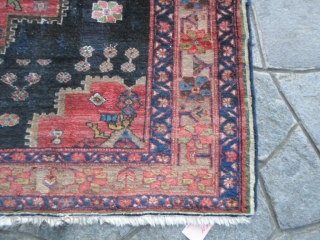 Antique Bachtyar in good condition. Full pile with old restors. Original piece with a very interesting design. Natural dyes. Maybe an Afshar but the Chahar Mahal-va-Bachtyari is the best origin of this piece. 200 x 154  ...