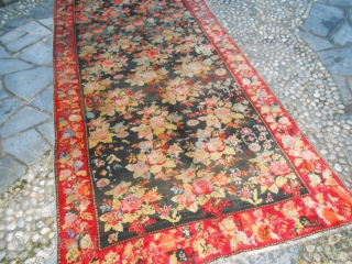 Collectible ancien Karabagh gol-farangh in perfect condition. Carpet upon corner dated 1 9 0 3  Gregorian -sun- calendar. Shiny wool and all natural dyes for this one. WOOL on wool and wonderfull color for  ...