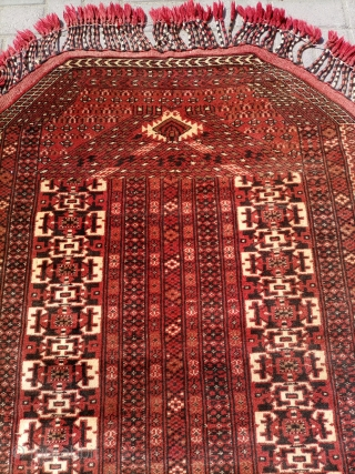 Persian old turkmensara rug soft and shiny wool fine quality size 135×95 cm unusual design.