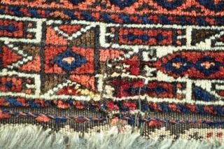 "Baluch bagface - has a few mauve silk highlights and few small old repairs - 28"" x 19"" - 71 x 48 cm."