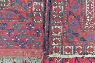 Turkmen Ersari Ensi rug - 4'8 x 6'7 ft. - 142 x 201 cm.