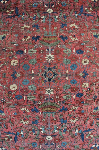 Fine Persian Sarouk Rug, 19th c. 4'5 x 6'8 ft. - 135 x 206 cm.