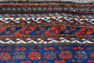 Baluch bagface with Memling Gul, Just washed, needs grooming, depressed warps, natural colors - 27 x 26 - 68 x 67 cm.