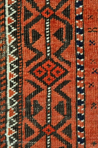 Antique Baluch rug with rare design, both border and especially field, tight weave - 19th century - 2'10 x 4'8 - 86 x 142 cm.