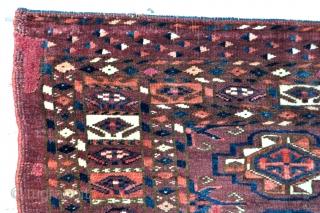 20 Gul Yomud Turkmen chuval - 19th c. - 3'11 x 2'7 - 120 x 79 cm.