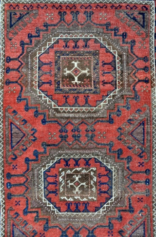 Wonderful Baluch rug with Large scale drawing and several yellow silk knots, see close up images - 3'1 x 5'11 - 94 x 182 cm.