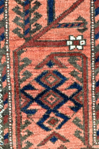 Antique Baluch rug with Khaf Guls and a very well drawn bold Mina-khani border. The glossy silky wool pile adds to its visual charm as well. - 3'3 x 5'5 - 99  ...