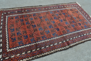 Antique Baluch rug - symmetrically knotted - circa 1870-80 - 2'8 x 4'6 - 81 x 137 cm.
