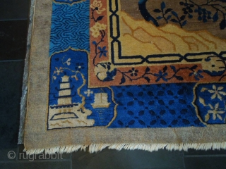 Two old Chinese carpets, the first one is a 9'x 12' and the second is  8'x 10'. Rugs have slight wear.