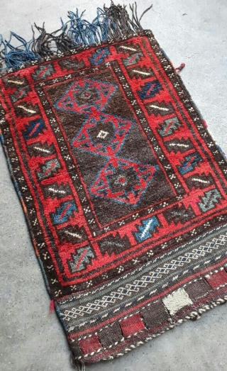 Stunning baluchi balisht with beautiful colors. More than 60 years old. Size 90x60 cm.