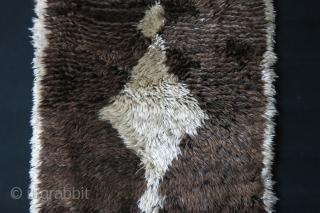 "Karapinar - Tulu Anatolian Bear skin rug. natural high altitude fine wool. Circa 1920-1930s or ealier. size : 50"" X 30"" - 127 cm X 77 cm"